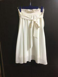 白いスカートの画像